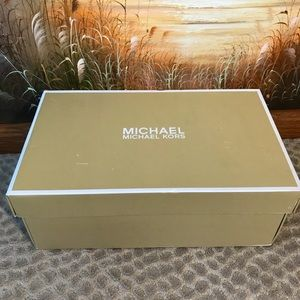 Michael Kors ladies shoes box.